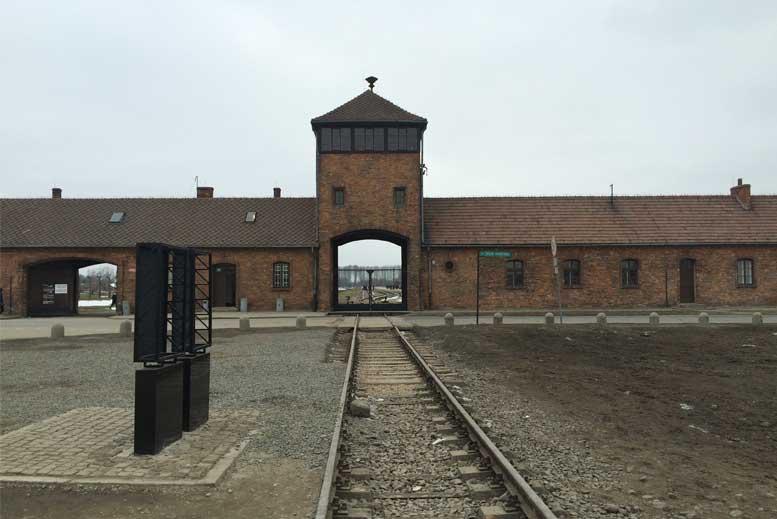 Tour Auschwitz-Birkenau en español con guía privado