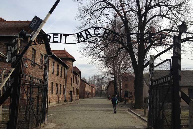 La puerta de la muerte de Auschwitz Birkenau - Tour Auschwitz-Birkenau en español con guía privado