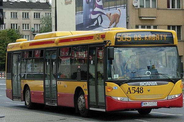 Autobus en Varsovia de linea Rapida