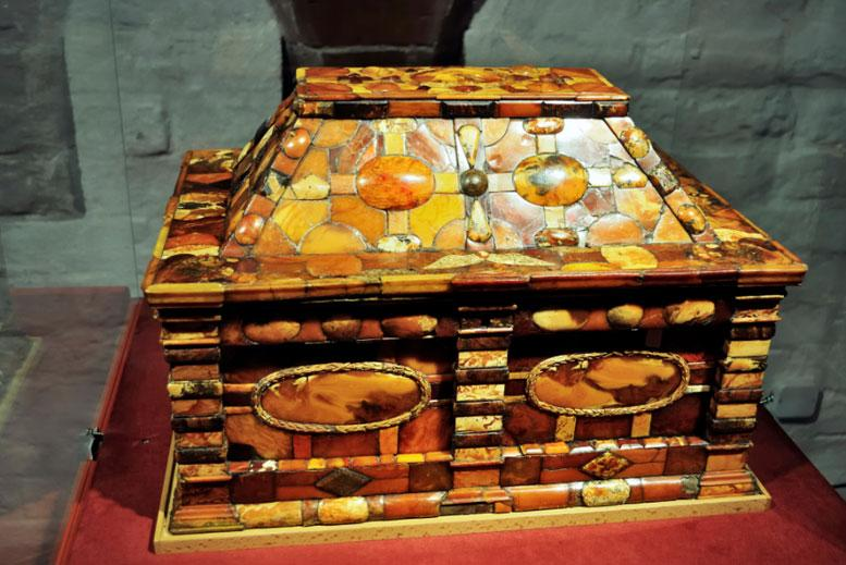 Cofre de Ambar en el Museo de Ambar Castillo de Malbork - Tour Malbork con guía privado en español