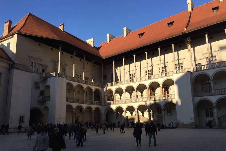 Patios de la Colina de Wawel - Tour Ciudad Vieja de Cracovia en español con guía privado