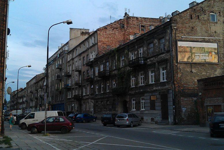Fabryka Trzcin - Tour Barrio de Praga en español con guía privado
