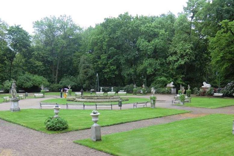 Interior del Parque Lazienki en Varsovia - Tour Parque Lazienki en español