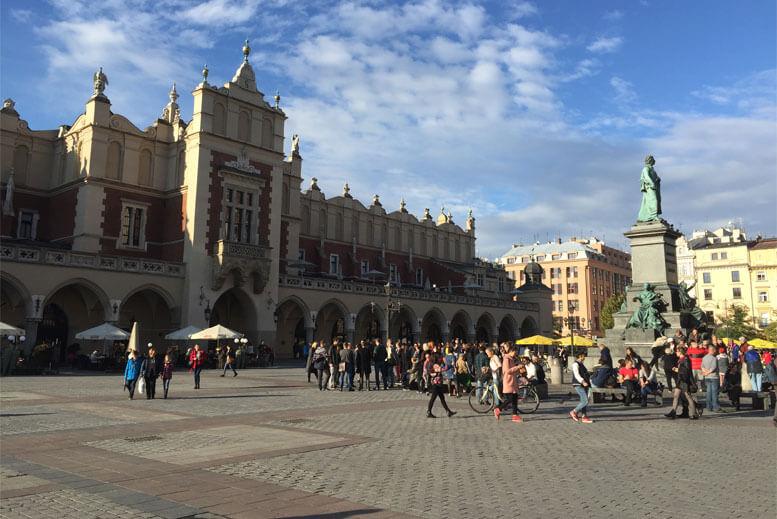 La Lonja de los Panos o Sukiennice - Tour Ciudad Vieja de Cracovia en español con guía privado