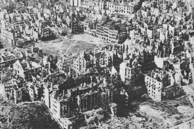 Varsovia destruida Levantamiento de Varsovia - Tour Museo del Insurrección de Varsovia en español